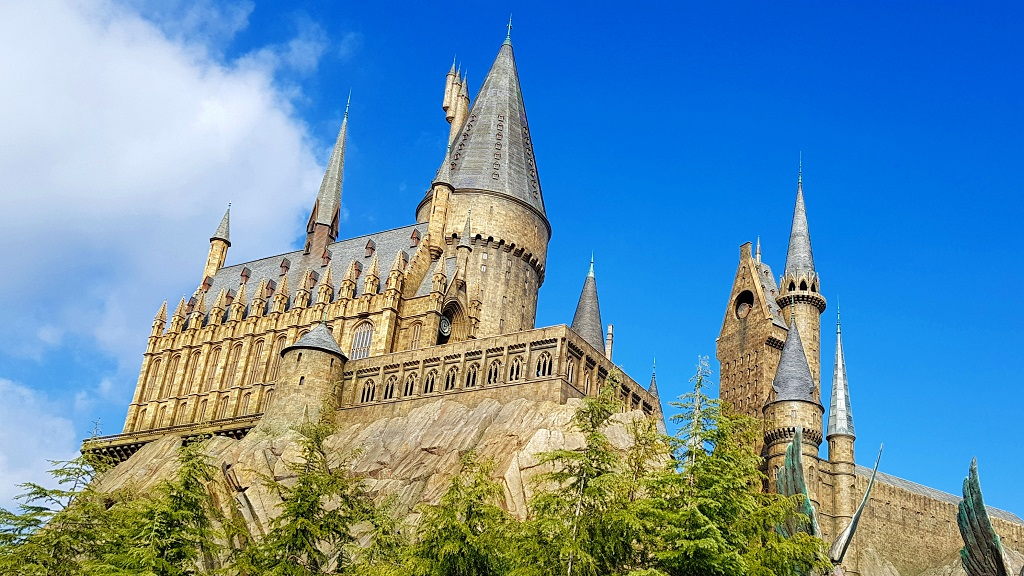 Hogwart's Castle, Harry Potter Universal Studios Japan USJ The Real Japan Rob Dyer